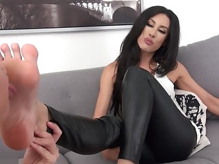 Boss Brunette Feet Foot Fetish HD Indian Juicy Licking