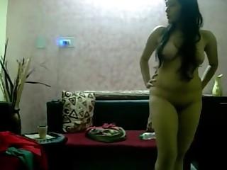 Amateur Babe Dancing Indian Nude Striptease